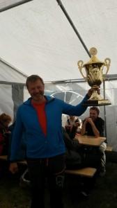 Årets vinner av hovedpremien i Tjeldsundregattaen, Kurt Arne Mosand på La SIrena. (Foto: Thor Mathiassen)